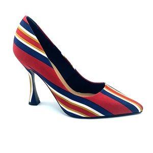 RARE closed toe striped pump with flare shape heel